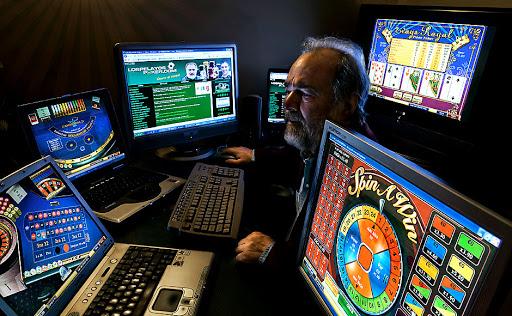 Strategi Poker Texas Holdem